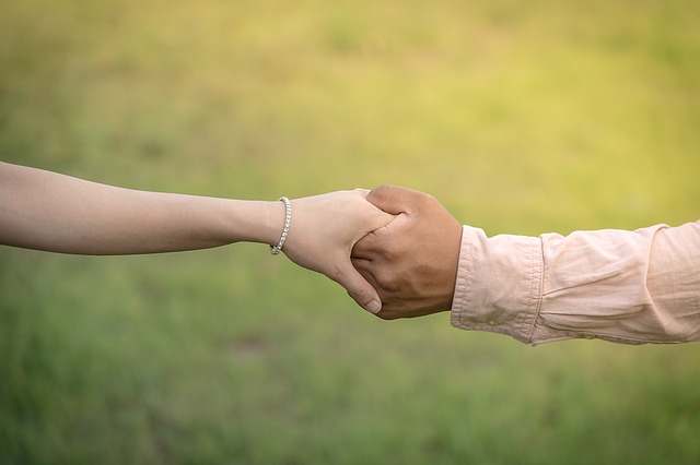 držení ruky